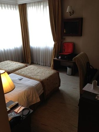 Taksim Gonen Hotel: petite chambre confortable