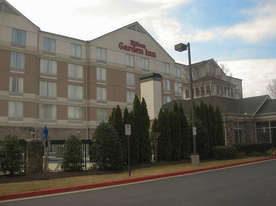 Hilton Garden Inn Atlanta Northpoint: Front of hotel