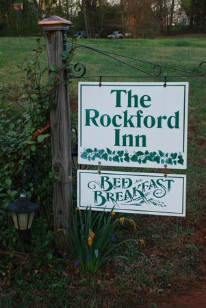 The Rockford Inn Bed and Breakfast: the sign