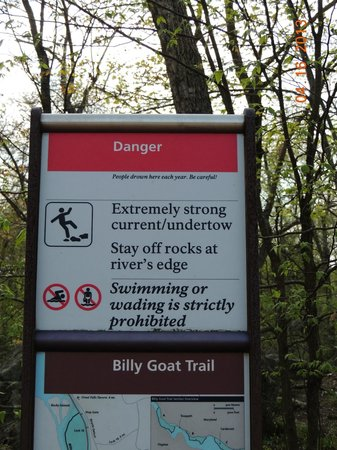 Potomac, MD: Warning...proceed on this trail with caution