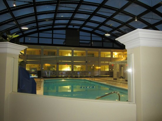 BEST WESTERN PLUS Milwaukee Airport Hotel &amp; Conference Ctr.: Pool