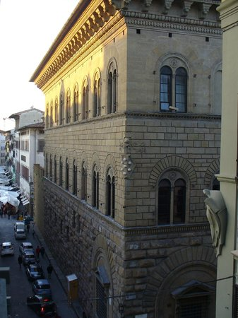 Fenice Palace Hotel: vista desde la ventana del Palacio Mdici al salir el sol