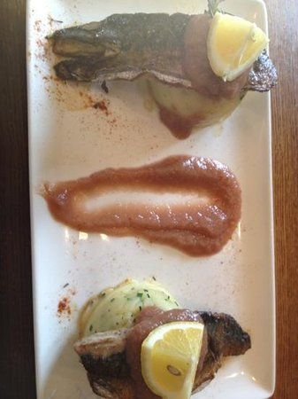 Frodsham, UK: rather odd mackerel dish with rhubarb smear