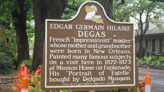 The Degas House: Historic marker in front of the house