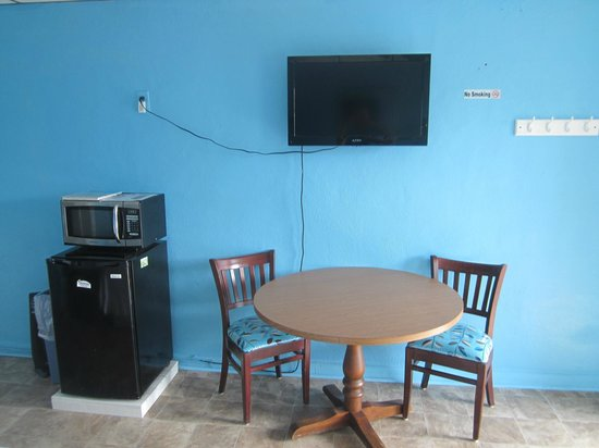 "Russo's Motel: All rooms have new 32"" Flat Screen TV's"