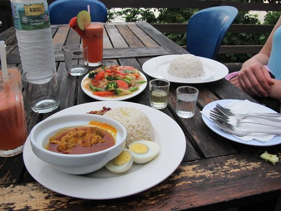 Permai Rainforest Resort: Food