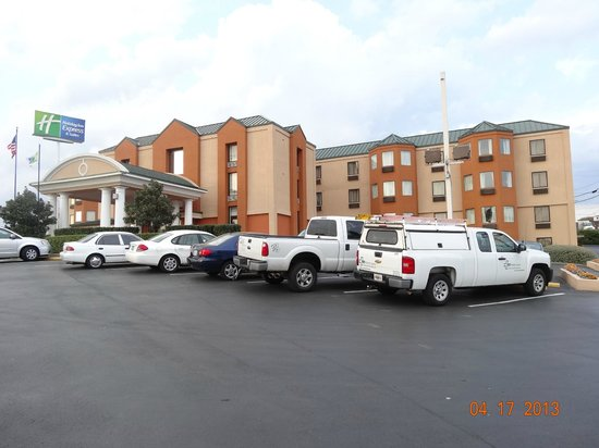 Holiday Inn Express Hotel &amp; Suites Nashville - I-40 &amp; 1-24 (Spence Lane): HIE, Spence Lane, Nashville, TN