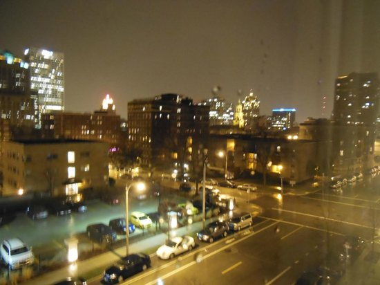 Comfort Inn & Suites: View of Downtown Milwaukee in the rain