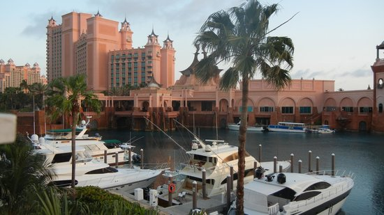 Atlantis - Harborside Resort: The view from our third floor room in building 7.