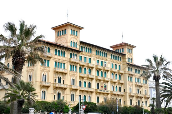 BEST WESTERN Grand Hotel Royal: Hotel front