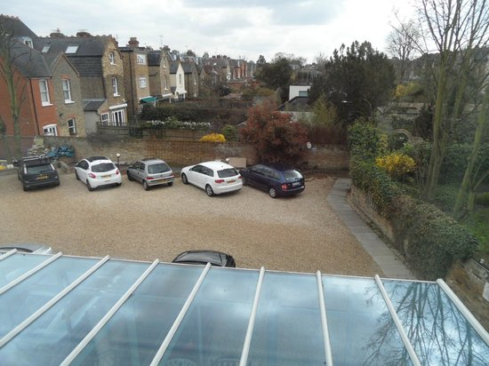 BEST WESTERN Chiswick Palace & Suites: View from room 10