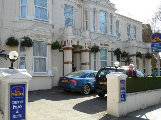 BEST WESTERN Chiswick Palace &amp; Suites: Front of Hotel