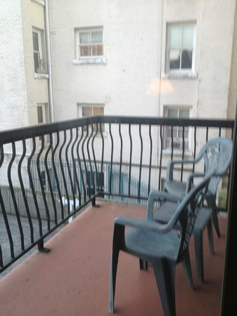 Sunset Inn and Suites: Balcony - Did not use