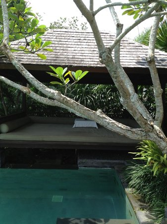 Damai: cabana at private pool