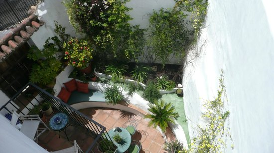 Cartajima, Spanien: Moorish courtyard in Spring
