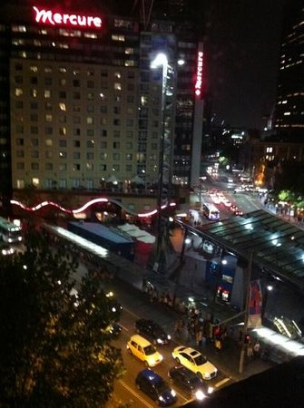 Adina Apartment Hotel Sydney, Central: view from room