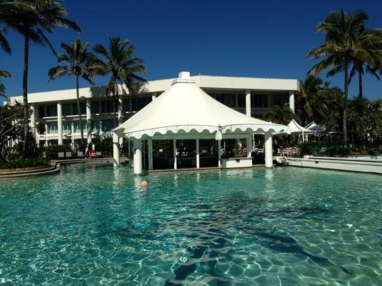 Sheraton Mirage Resort & Spa: Swim Up Bar