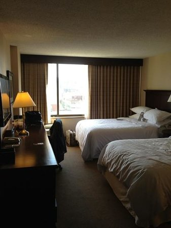 Sheraton Philadelphia University City Hotel: Room
