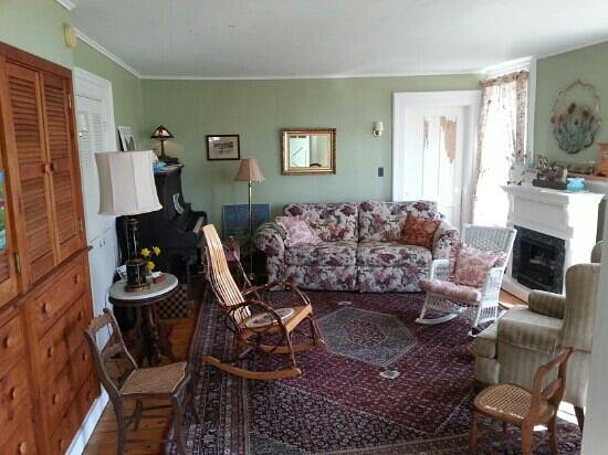 Hazelnut Farm Bed & Breakfast