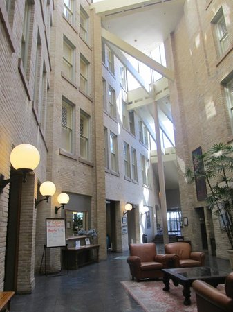 Crockett Hotel : Interior of the lobby, so cool like the building was inside out. 