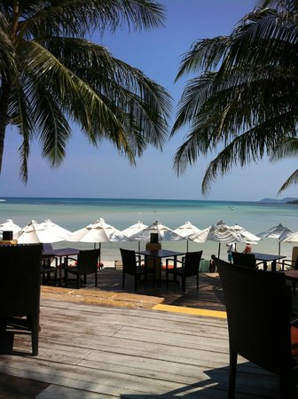 Kandaburi Resort & Spa: View from the Beach restaurant