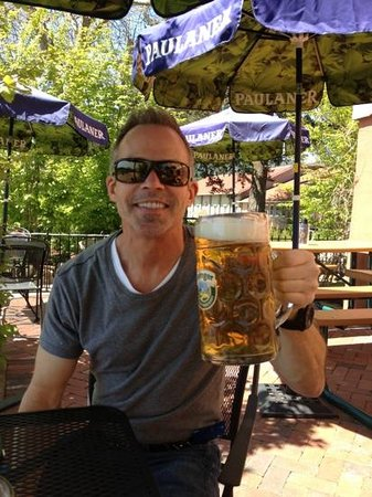 Jacksonville, OR : mega steins of great beer 