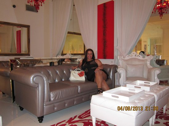 Red South Beach Hotel: lobby