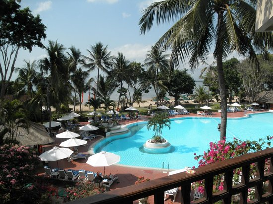 Sanur Beach Hotel: View in the day time.