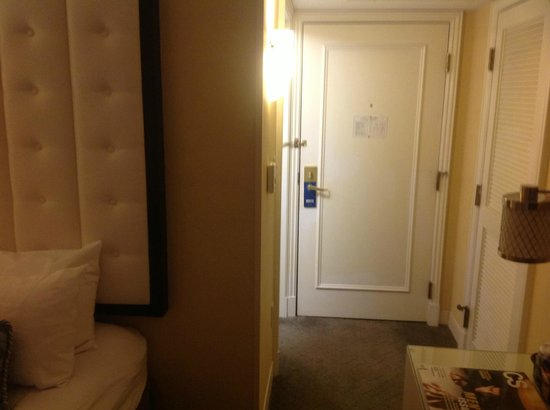 Allerton Hotel: Room
