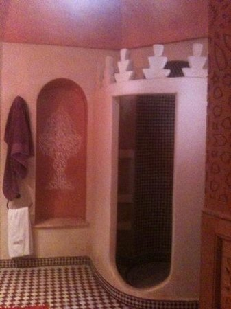 Riad Reves D'orient: gorgeous bathroom