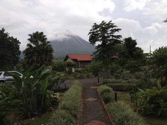 Montana de Fuego Hotel & Spa: Volcano view from room