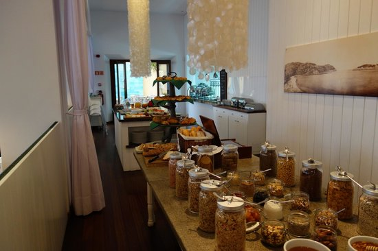 Esplendido Hotel: Breakfast buffet
