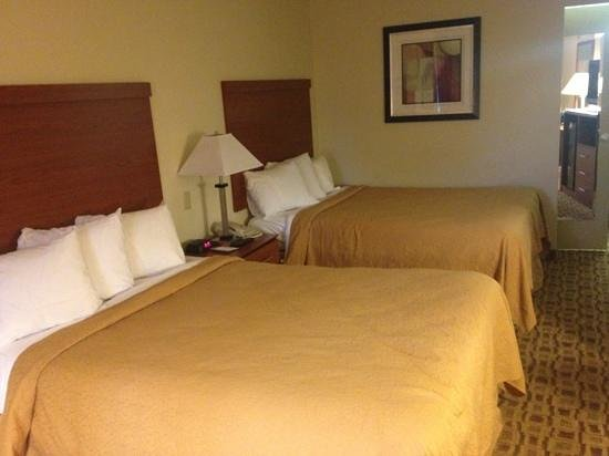 Quality Inn: double beds