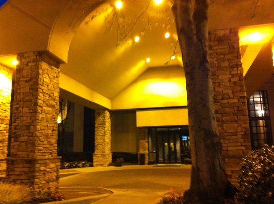Country Inn and Suites Buckhead: Hotel entry