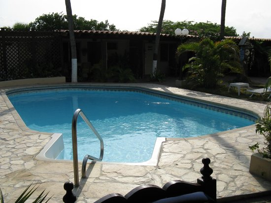 Sunset Beach Studios: Lovely Pool