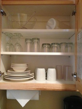 Brian Head, UT: Dishes in kitchenette of 1-bedroom Villa