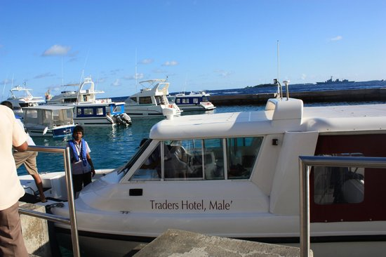 Traders Hotel, Male, Maldives: Hotel speedboat