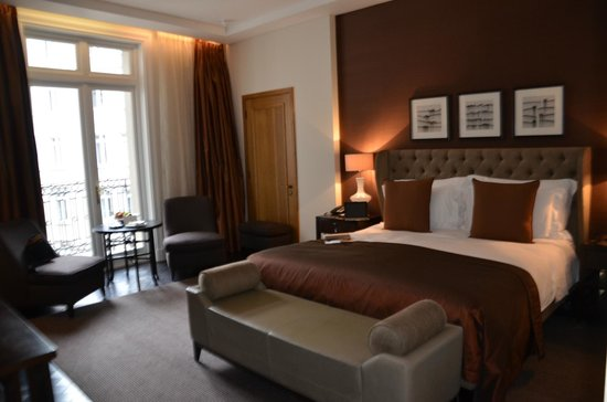 Corinthia Hotel London: The bedroom in the suite