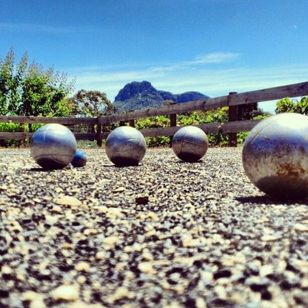 Dunkeld, Australien: View from the Petanque Piste at Grampians View Bed and Breakfast