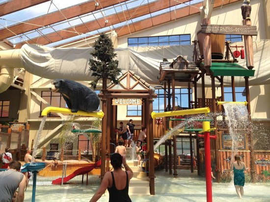 Wilderness at the Smokies Resort: Where kids can play and splash water every where