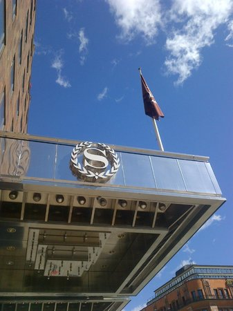 Sheraton Stockholm Hotel: Facade de l&#39;hotel