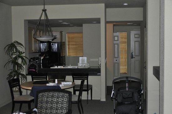 Scottsdale Resort & Athletic Club: Lower Level Suite