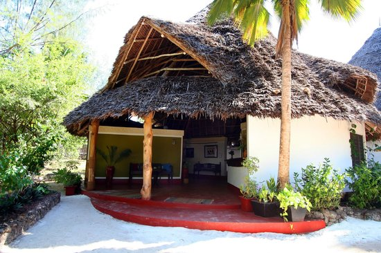 Pongwe Beach Hotel: Reception area