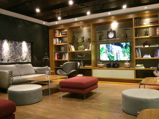 DoubleTree by Hilton Istanbul - Old Town: Homely Lounge