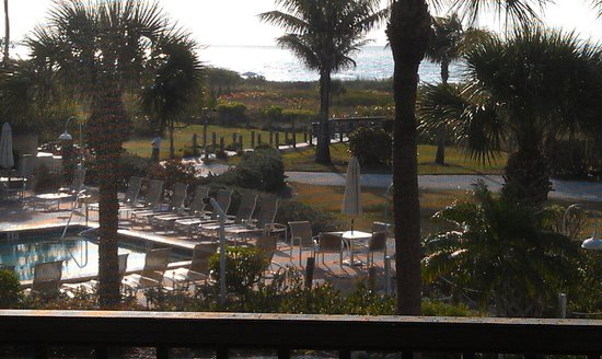 Sanibel Inn: Early morning view from Room 3224