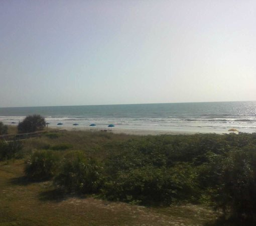 La Quinta Inn &amp; Suites Cocoa Beach Oceanfront: Oceanfront view from the room
