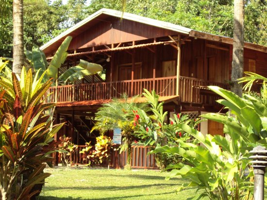 Cabinas Nirvana - Lodge & Resort