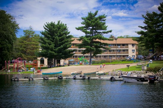 Photo of Aloha Beach Resort & Suites Wisconsin Dells