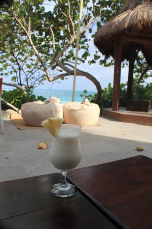 Mezzanine Hotel: Pina colada and views from the hotel