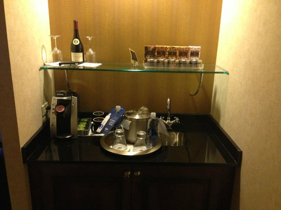 Madison Hotel: Mini Bar
